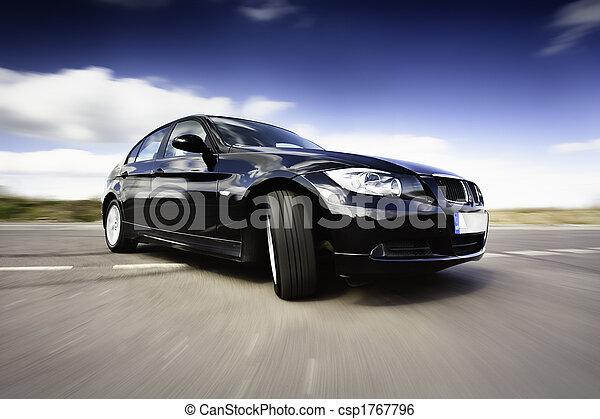 Schwarzer Wagen in Bewegung - csp1767796