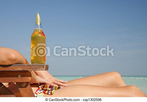 bière, femme - csp1302596