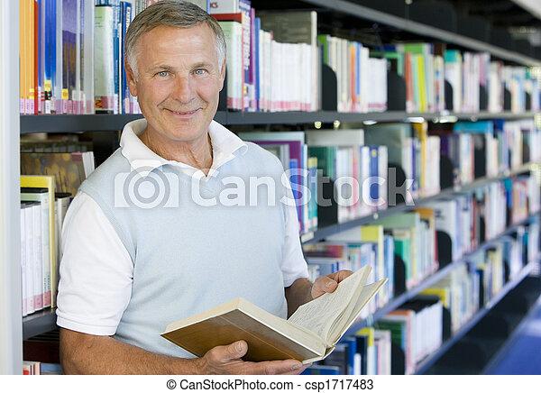 biblioteca, field), presa a terra, (depth, libro, uomo - csp1717483