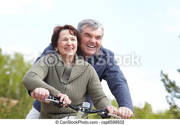 bicycles, emberek - csp6599502