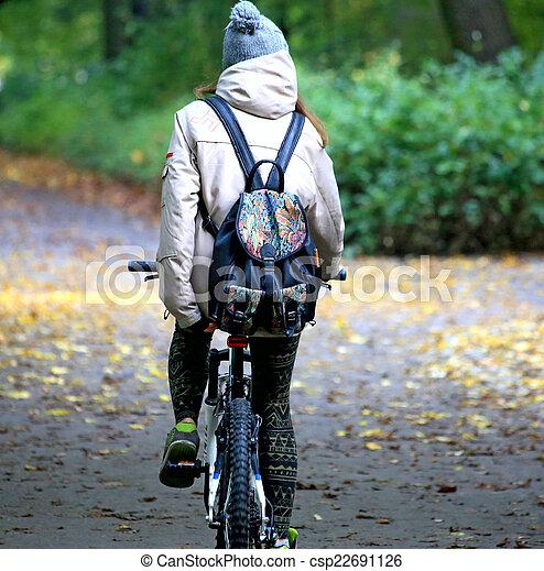 bicycles, para, młody - csp22691126