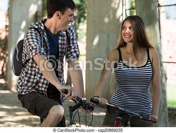 bicycles, para, młody - csp20869235