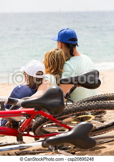bicycles, rodzice, syn - csp20895248