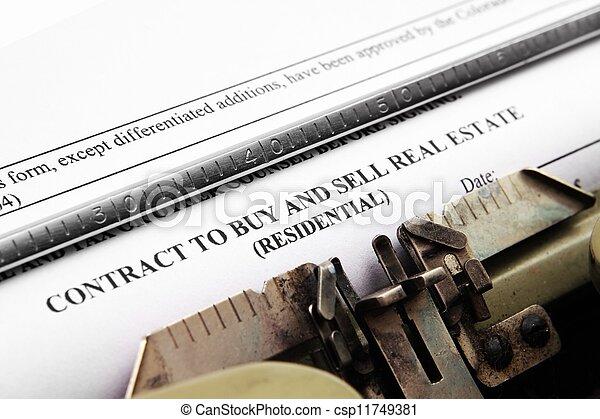 Contrato de bienes raíces - csp11749381