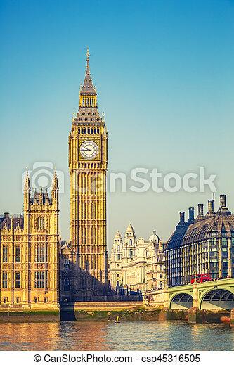 Big Ben en Londres - csp45316505