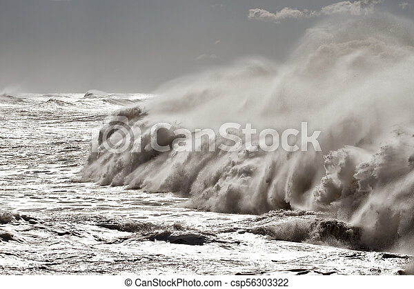 Big breaking waves - csp56303322
