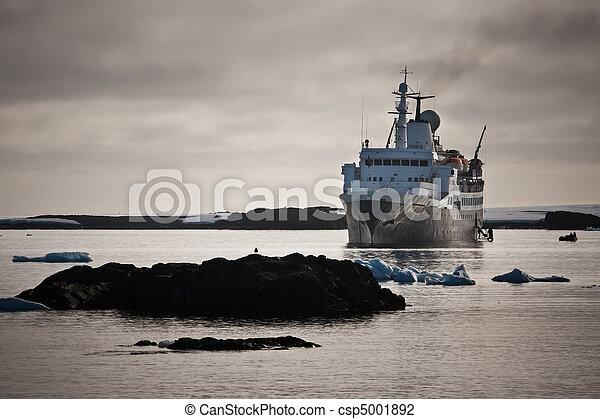 Big ship in Antarctica - csp5001892