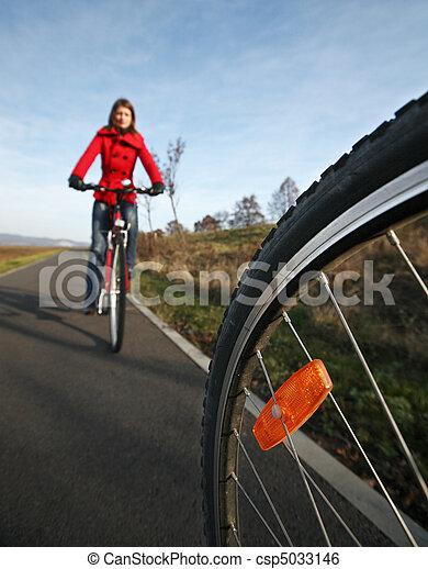 biking - csp5033146
