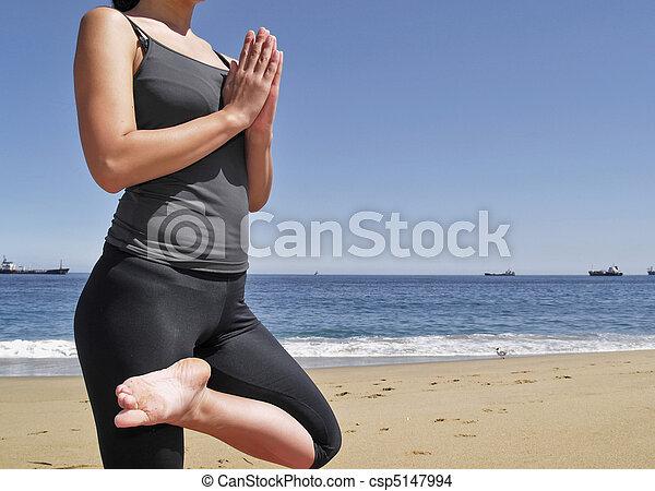 bikram tadasana pose yoga pose yoga tadasana