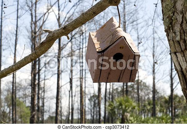 Pájaro colgando - csp3073412