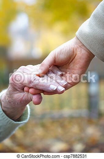 birtok, idősebb ember, kézbesít, fiatal - csp7882531