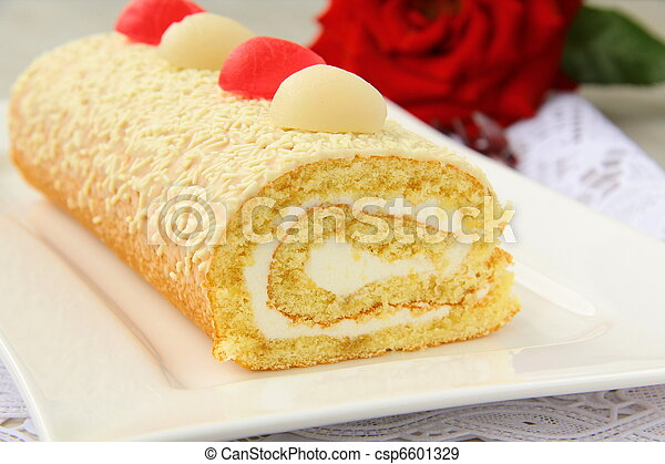 biscuit roulade with cream  - csp6601329