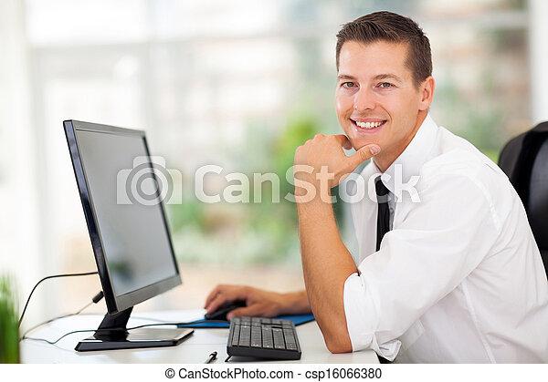 biznesmen, nowoczesny, biuro, posiedzenie - csp16066380
