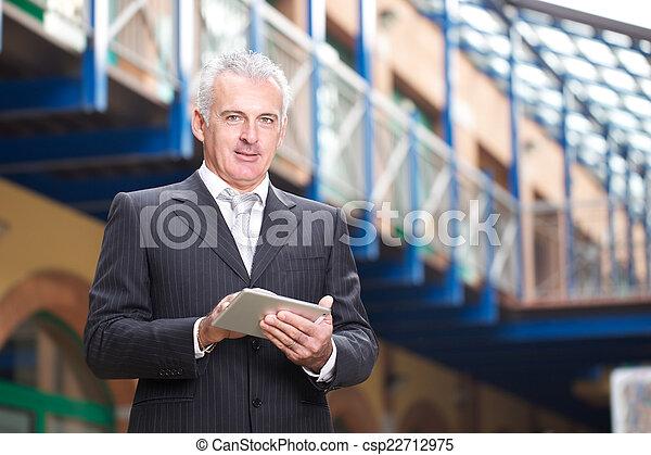 biznesmen - csp22712975