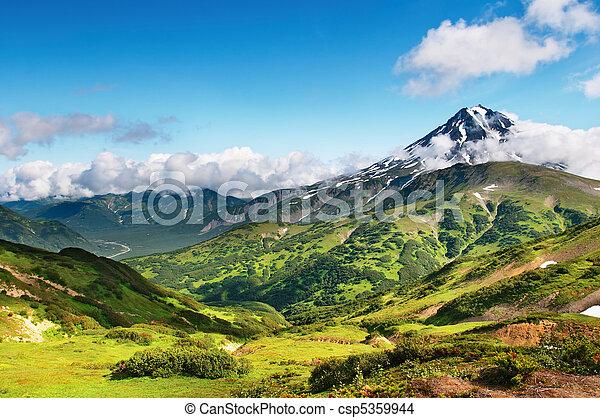 bjerg landskab - csp5359944