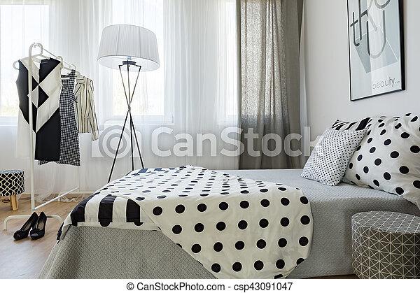 Black And White Bedroom S Decor Black And White Decor Of Elegant Woman S Bedroom