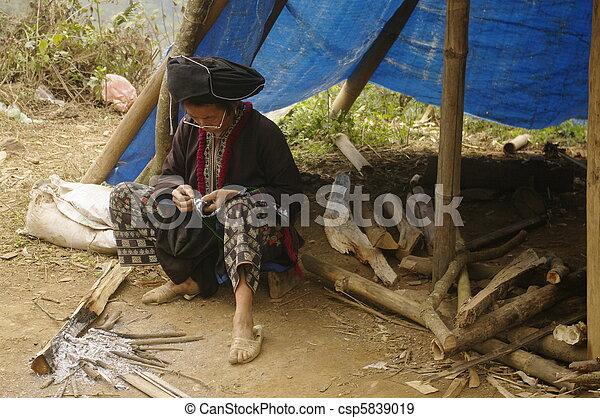 Black Dao ethnic woman - csp5839019