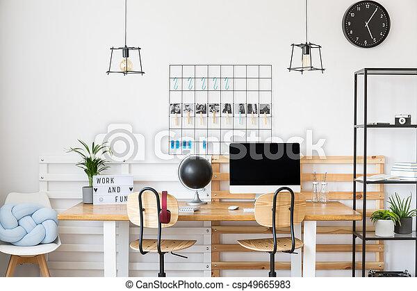 Blanc noir horloge bureau. horloge bureau mur projection