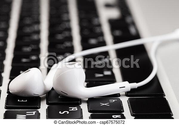 blanc, ordinateur portable, keyboard., écouteurs - csp67575072