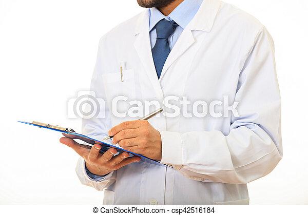 Doctor sosteniendo un portapapeles en fondo blanco - csp42516184