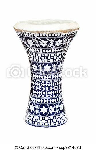 Un tambor africano aislado en un fondo blanco - csp9214073