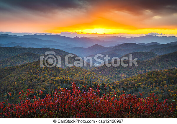 blaue berge, nc, bergrücken, appalachian, bestimmungsort, urlaub, herbst, sonnenuntergang, westlich, landschaftlich, allee, landschaftsbild - csp12426967