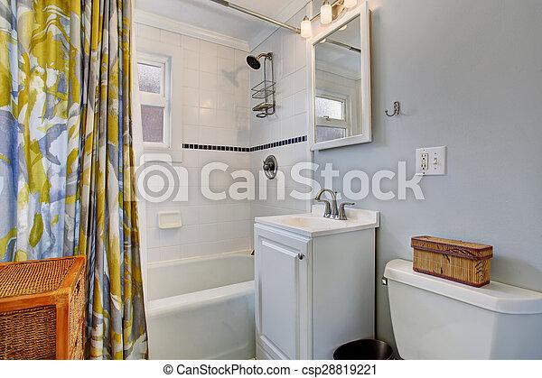Blaues, badezimmer, bunte, wände, dusche, klein, curtain. Blaues ...