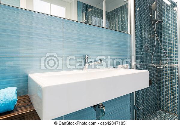 Blaues, badezimmer, modern, bad, dusche, sinken.