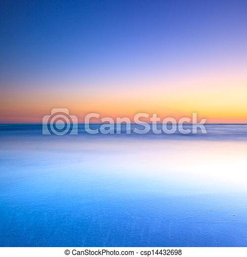 blaues, dämmerung, wasserlandschaft, sonnenuntergang, weißer strand - csp14432698