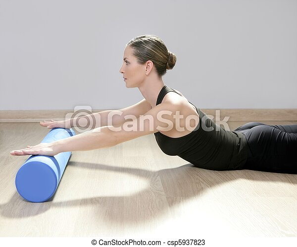 blaues, frau, joga, turnhalle, schaum, pilates, fitness, sport, rolle - csp5937823