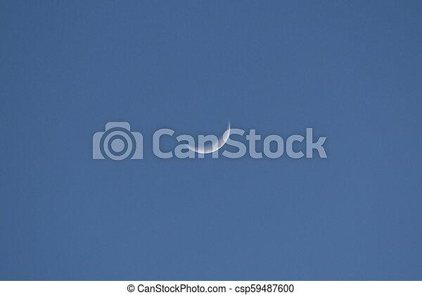 blaues, halbmond, himmelsgewölbe, zentrieren, mond - csp59487600