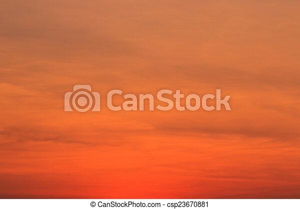 bleu, arrière-plans, nuages, ciel coucher soleil - csp23670881