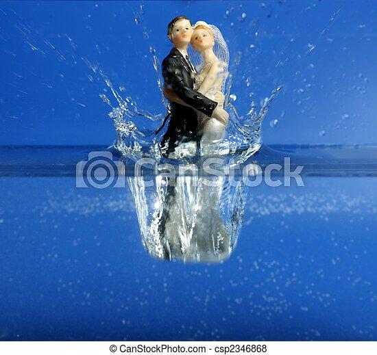 bleu, bas, eau, figurine, mariage, tomber - csp2346868