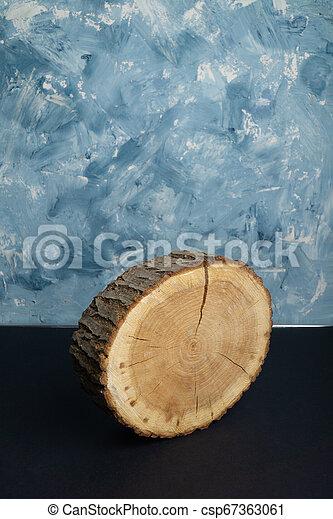 bleu, peint, anneaux, annuel, arbre, arrière-plan., section transversale, bois, close-up., toqué, morceau - csp67363061