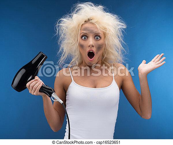bleu, rigolote, girl, isolé, hairdryer., blonds, problème, avoir - csp16523651