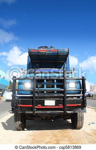 bleu, vieux, ciel, camion, sous, grunge, vieilli - csp5813869