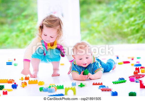 blocos, coloridos, tocando, irmã, irmão - csp21891505