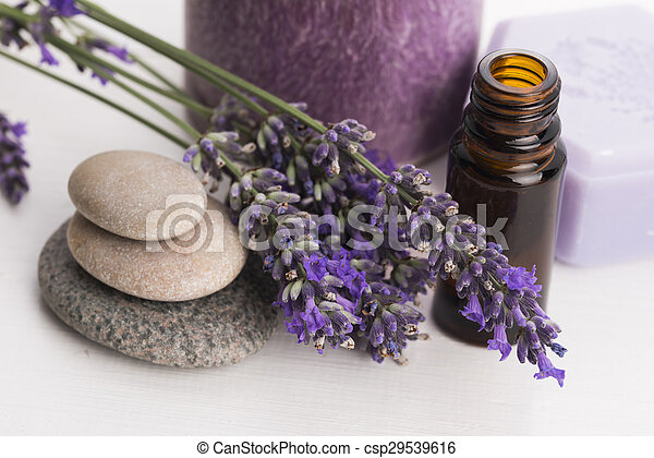bloemen, essentiële olie, lavendel - csp29539616