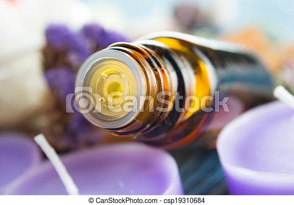 bloemen, essentiële olie, lavendel - csp19310684