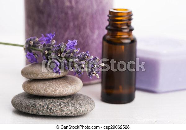 bloemen, essentiële olie, lavendel - csp29062528
