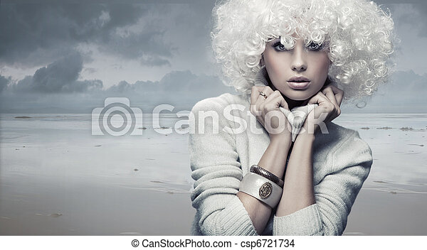 Blond beauty woman - csp6721734