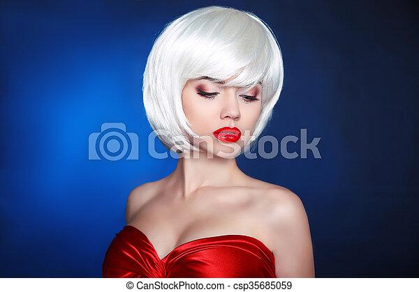 Blond bob hairstyle. Fashion Beauty Girl. Makeup  - csp35685059