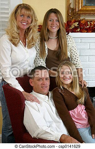 Blond Family 1 - csp0141629
