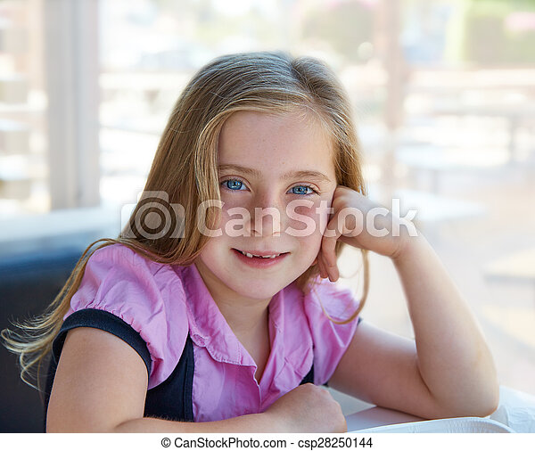 Blond relaxed happy kid girl expression blue eyes - csp28250144