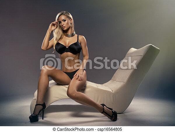 blond, sexy, freizeit, sitzen, frau, stilvoll - csp16564805