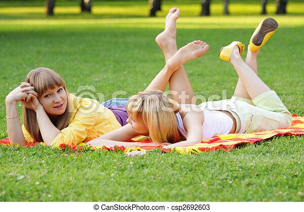 Blonde friends - csp2692603