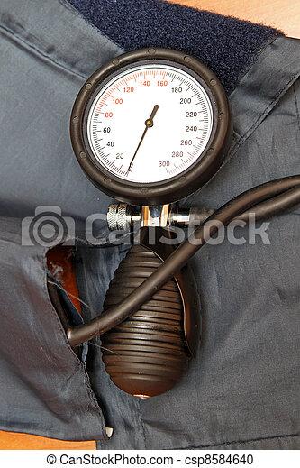 Blood pressure monitor - csp8584640