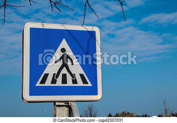 blue pedestrian crossing sign - csp42307031