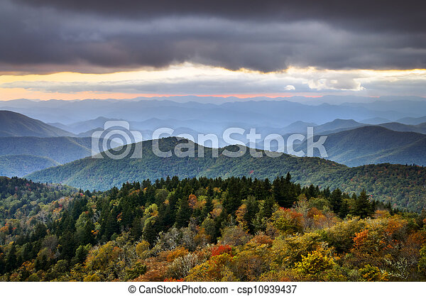 Blue Ridge Parkway Autumn Mountains - csp10939437