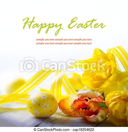 Art Ostereier und gelbe Frühlingsblume auf weißem Hintergrund - csp18254622